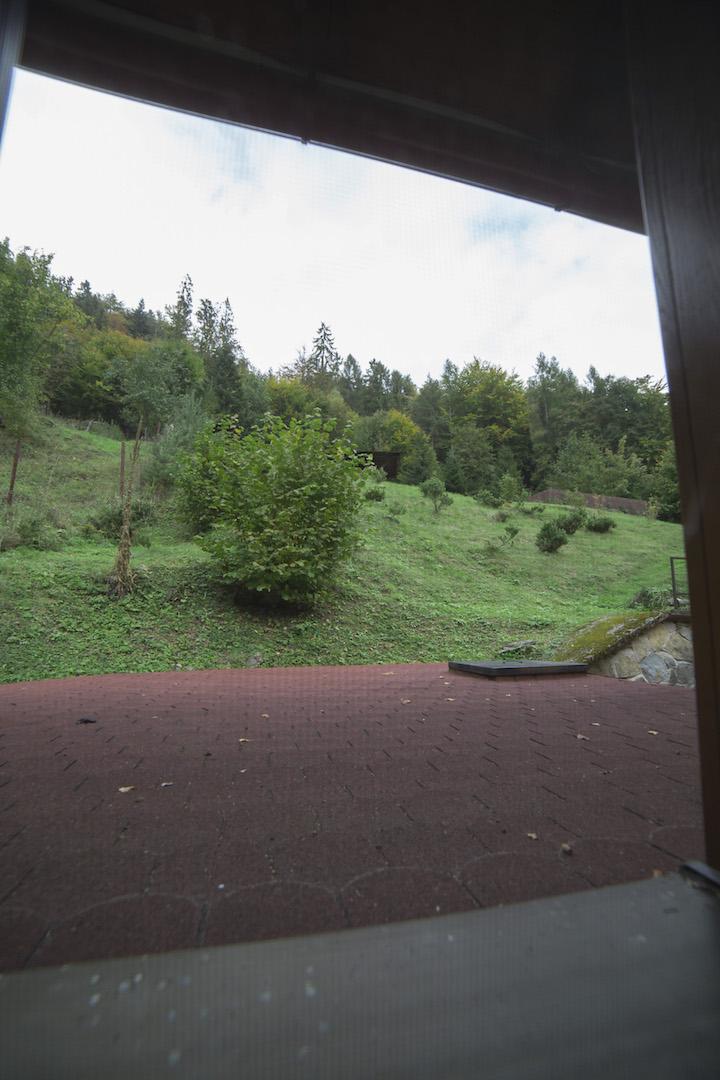 Pohlad z okna izby