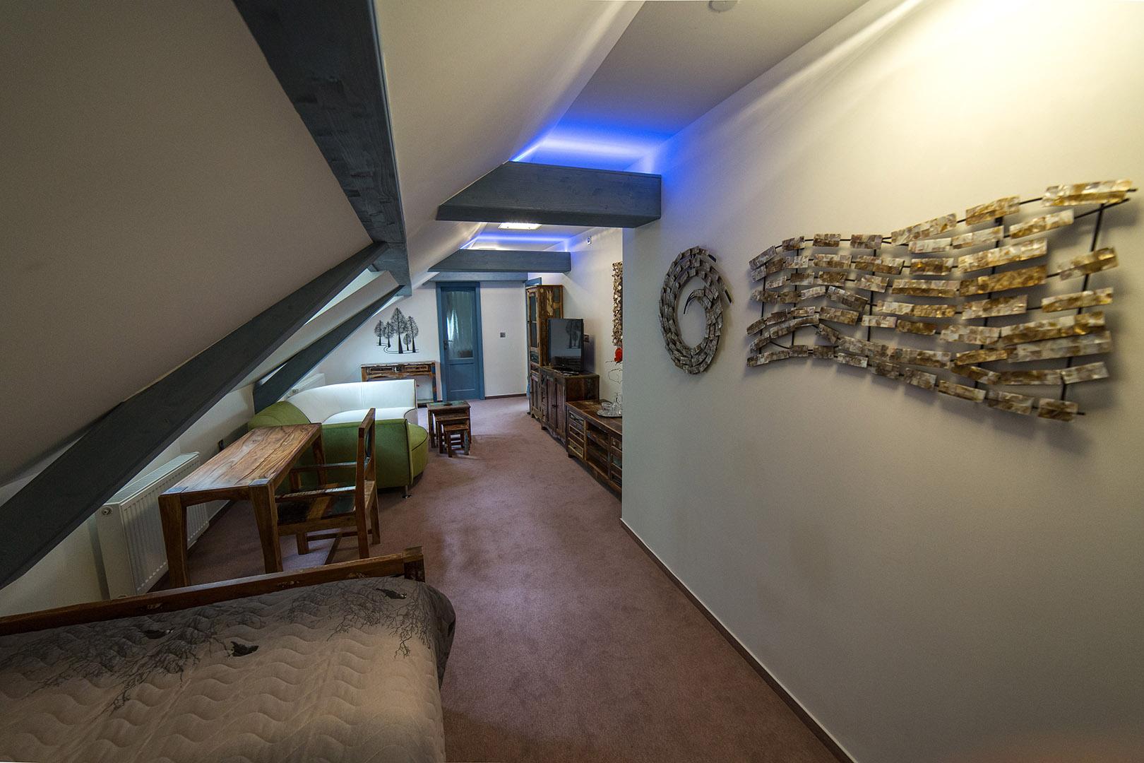 Izba č.10 Rodinná suite DE LUXE  s vaňou pre 4 osoby